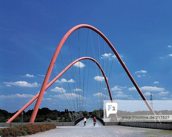 Polonyi Brücke im Handel Park  Gelsenkirchen  Deutschland
