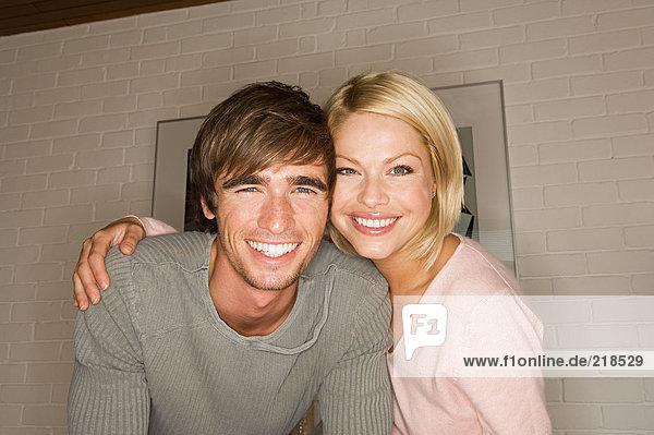 Lächelndes Paar