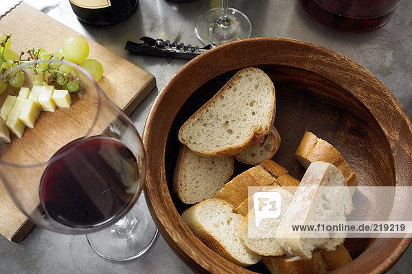 Brot  Wein und Käse