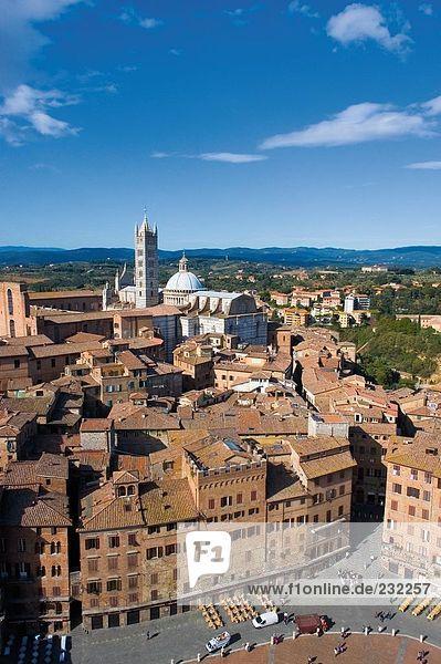 Gebäude in Stadt  Kathedrale von Siena  Siena  Provinz Siena  Toskana  Italien