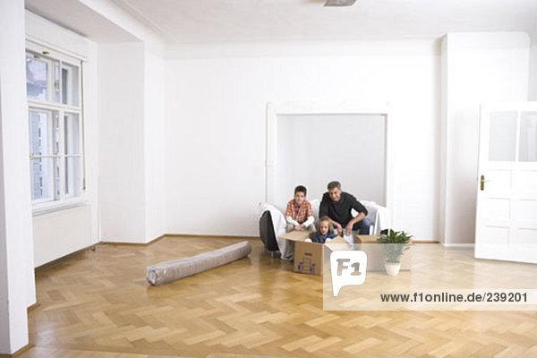 Portrait Mann Bewegung 2 Eigentumswohnung neues Zuhause