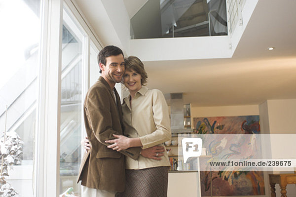 Porträt von reifes Paar in Wohnung