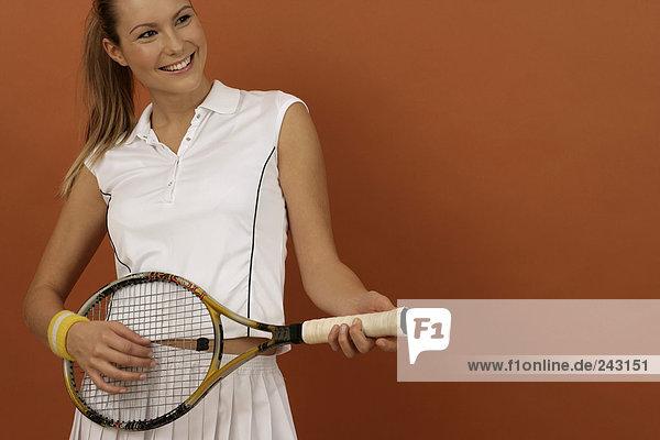 Tennisspielerin benutzt Tennisschläger als Gitarre  fully_released