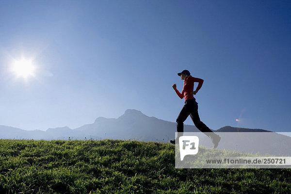 Frau joggen  outdoor  Österreich
