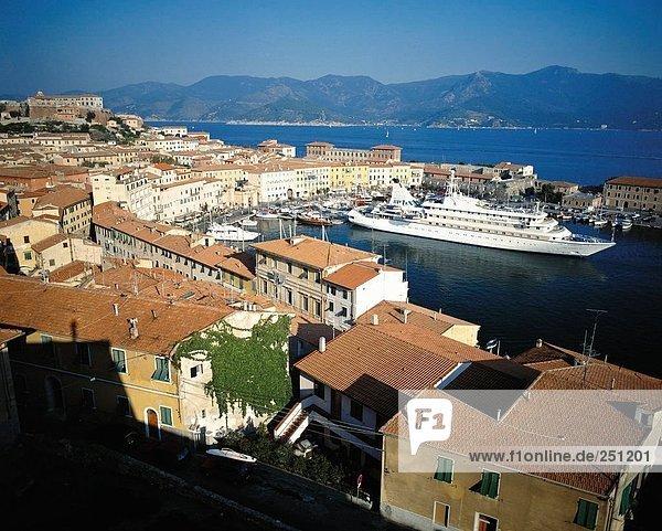 10074049  bay  Elba  harbour  port  Italy  Europe  cruise ship  cruise  ship  Mediterranean Sea  sea  Portoferreio  overview