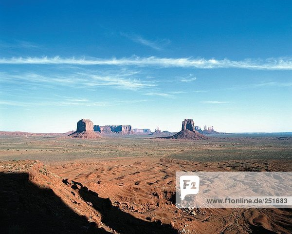 10337798  Landschaft  Klippe  Formationen  Steppe  Monument Valley  USA  Amerika  Nordamerika  Utah