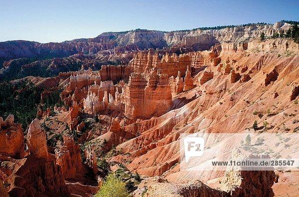 Erhöhte Ansicht von Klippen  Bryce Canyon  Garfield County  Utah  USA