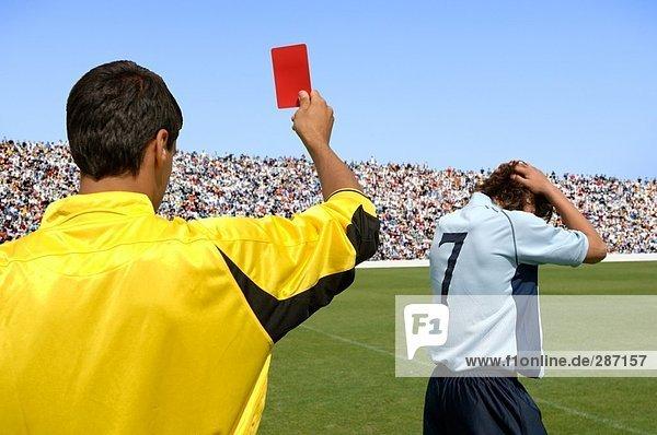 rote Karte Karten zeigen Spiel Enttäuschung Schiedsrichter