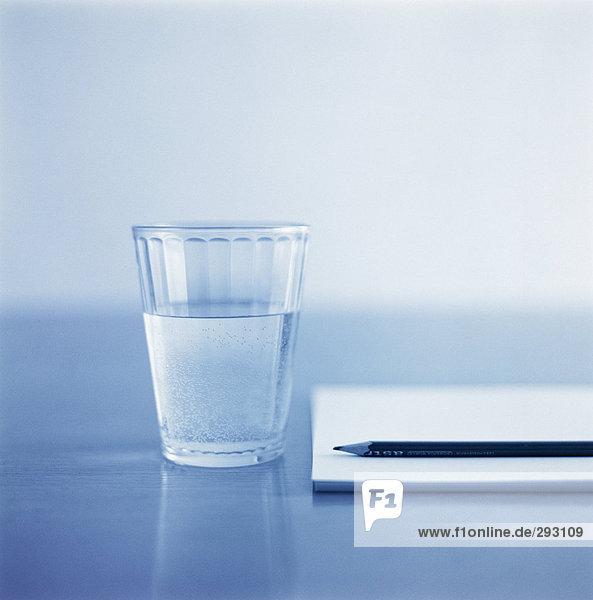 Ein Glas Wasser.