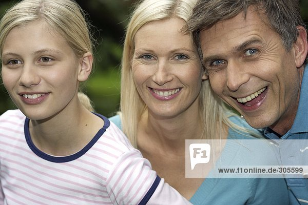 Mutter  Vater und Tochter - Familie - Harmonie  fully_released