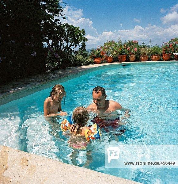 Menschlicher Vater 2 Schwimmbad