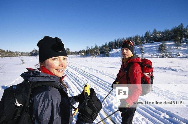 Zwei glücklich Skifahrer.