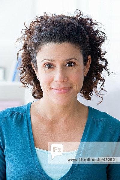 Porträt einer hispanischen Frau