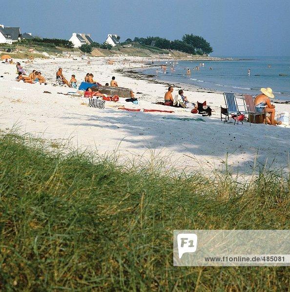Frankreich Europa Wohnhaus Strand baden Gebäude Küste Atlantischer Ozean Atlantik Bretagne