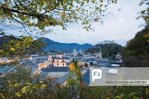 Schloss auf dem Hügel  Festung Hohensalzburg  Salzburg  Österreich
