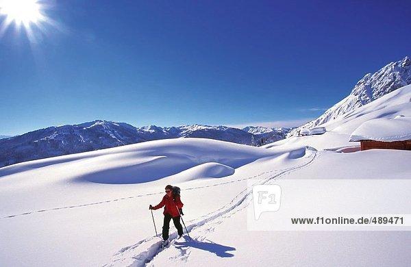 Erhöhte Ansicht Person Skifahren  Österreich