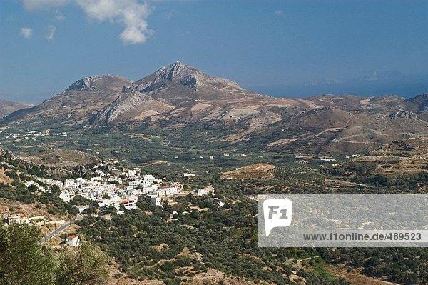 Erhöhte Ansicht von Dorf im Tal  Plakias  Kreta  Griechenland