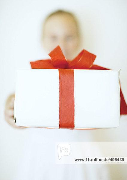 Geschenk ausharren