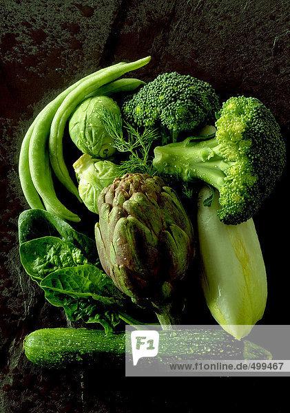 Sortiment rohes grünes Gemüse