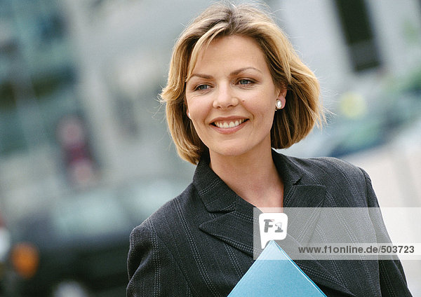 Geschäftsfrau lächelnd  Portrait