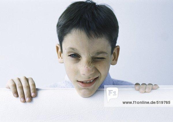 Junge macht Gesicht  Portrait