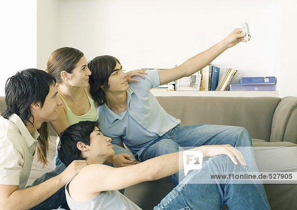 Gruppenfoto mit dem Handy machen