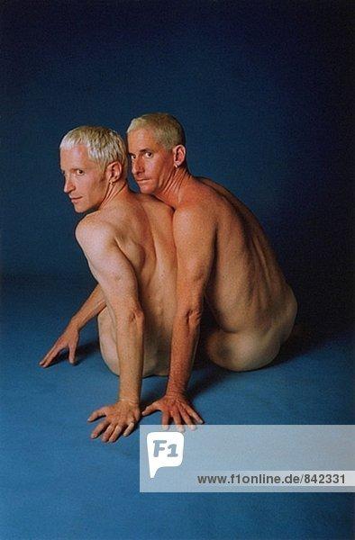 twin bruder nackt