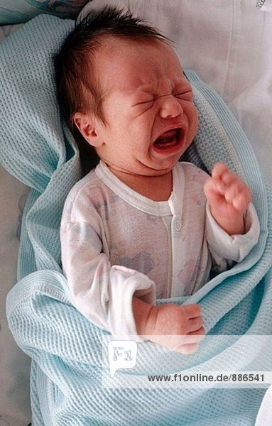 Newborn Weinen