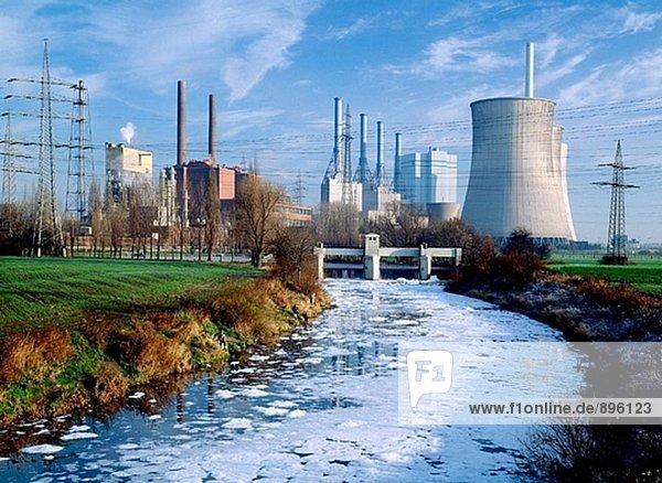 Lippe River Verschmutzung  Steinkohle-Kraftwerk. Werne. Deutschland