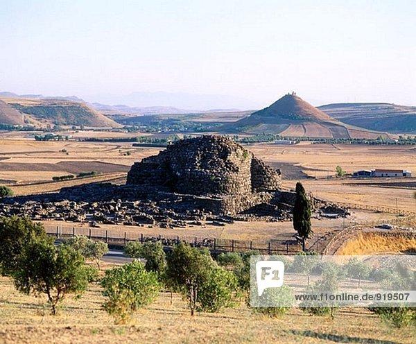 Nuraghe (turmartige Denkmal) Su Nuraxi. Sardinien. Italien