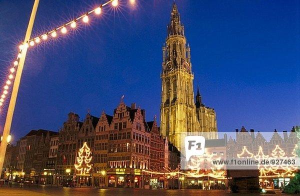 Weihnachten am Hauptplatz. Antwerpen. Belgien