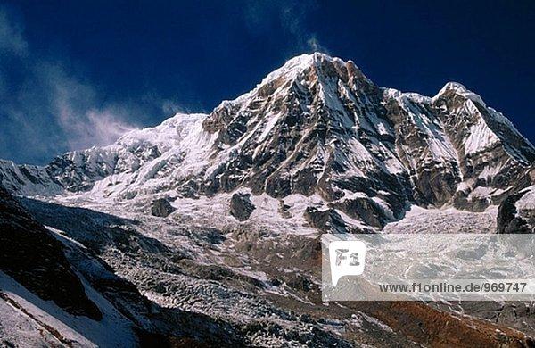Annapurna Süd (7273m) von Annapurna base Camp. Nepal