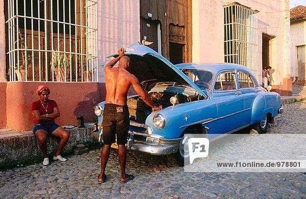 Kubanische altes Auto Reparatur. Trinidad. Kuba