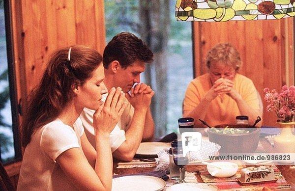 Praying at meal time