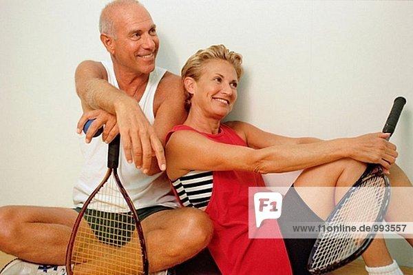 Racket Ball paar entspannenden