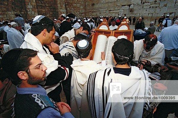Reading the Torah during ´Bar Mitzvah´ ceremony. Western Wall. Jerusalem. Israel