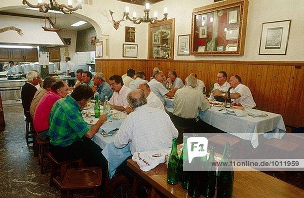 Restaurant  San Sebastián. Guipúzcoa  Baskenland  Spanien