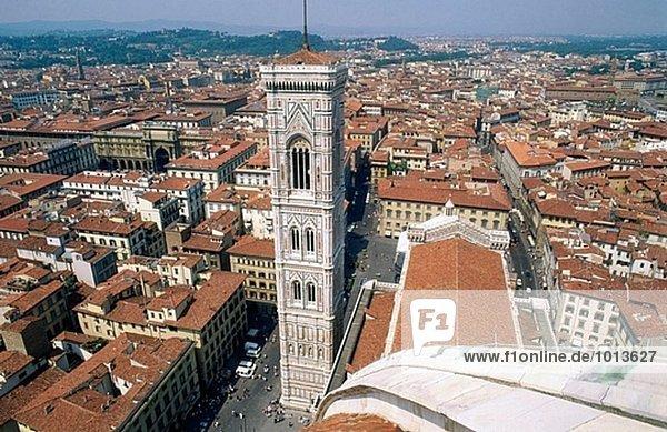 Campanile Turm (1334-1359  Architekt Giotto) der Kathedrale Santa Maria del Fiore  Florenz. Toskana  Italien