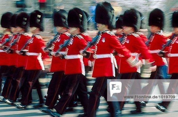 Wachtwechsel im Buckingham Palace  London. England  UK