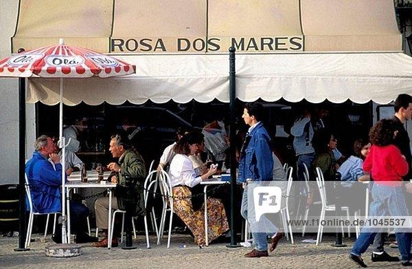 ´Rosa Dos Mares´ outdoor-Café. Cascais. Lissabon. Portugal