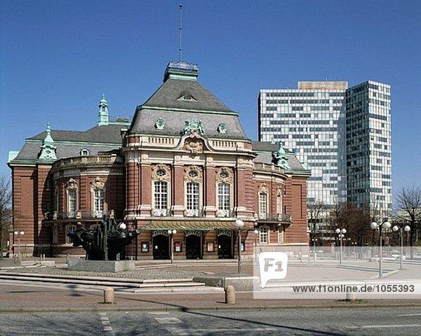 Musikhalle und Unilever Gebäude im Hintergrund  Hamburg  Deutschland