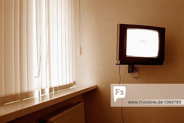 TV an Wand