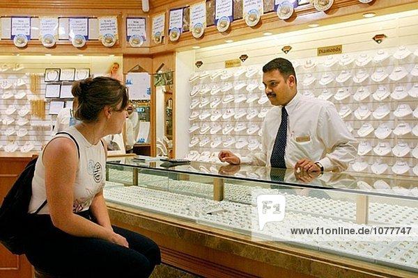 Gold und Diamond Einkaufen in Dubai City. Dubai  Vereinigte Arabische Emirate