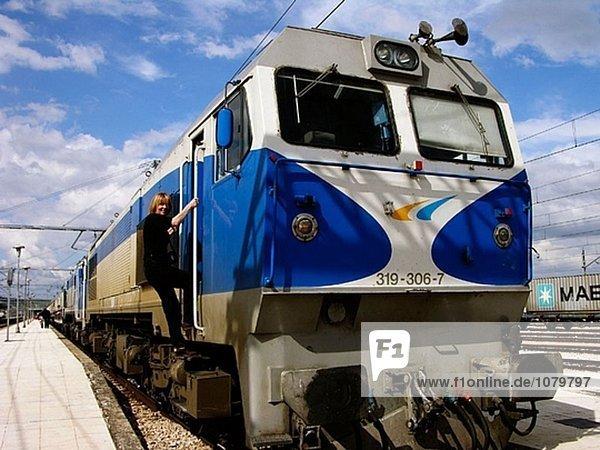 Tag Nacht Tagesausflug Reichtum 5 Sevilla Andalusien 6 verlassen Spanien Zug Woche