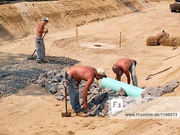 Entwässerung Graben Arbeitnehmer in Massachusetts. USA