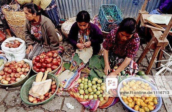 Sonntag indischen Markt. Stadt Chichicastenango  meist mit Quiché Indianern bevölkert. Guatemala