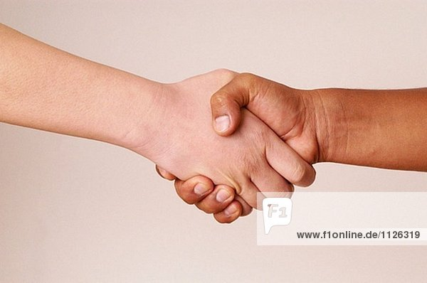 Interracial Hände.