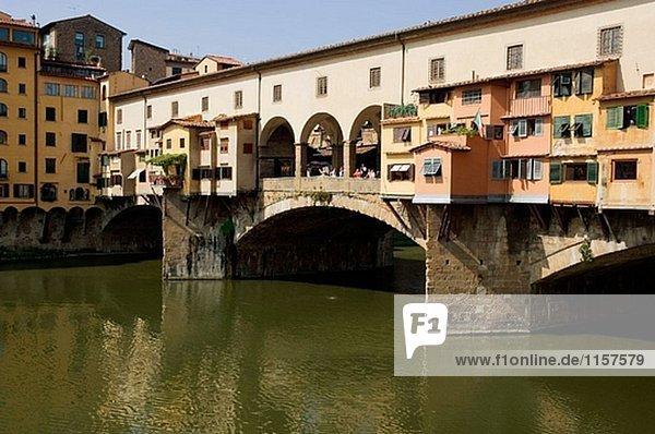 Brücke Ponte Vecchio in Florenz  Italien