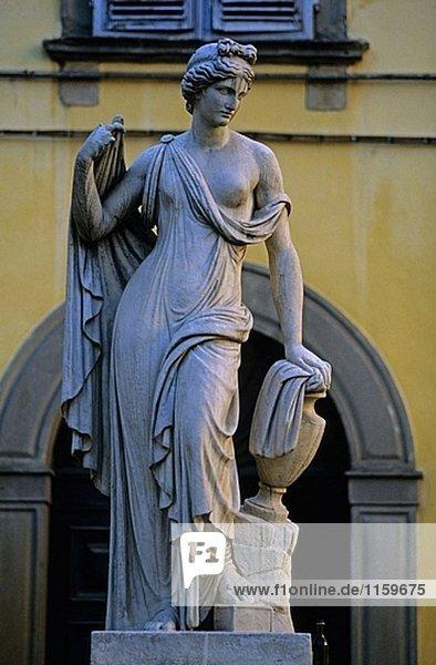 Statue. Toskana  Italien