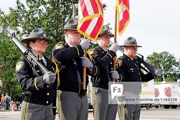 Portrait des stellvertretenden Sheriffs in ihre Honor Guard uniform